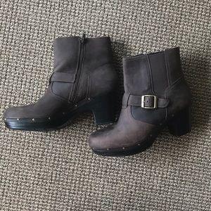 Clarks brown leather Sabre studded ankle boots
